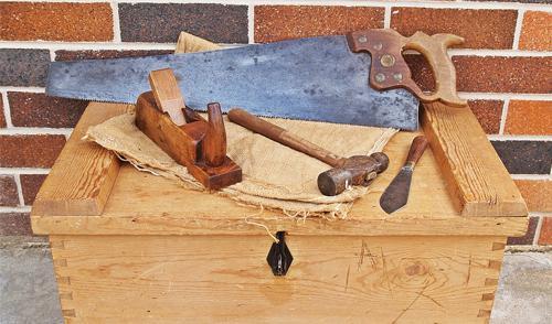 Dia do Carpinteiro e Dia do Artesão